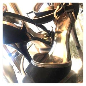 Coach heels size 10 black and gold